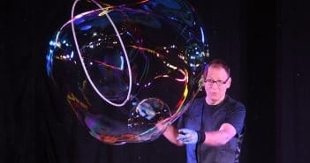 Amazing Bubble Man Great Yorkshire Fringe